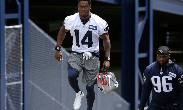 Patriots WR Brandin Cooks explains his touchdown celebration = Touchdown celebrations have been a part of the National Football League for years now, with players taking the opportunity to express themselves and celebrate their successes in a variety of ways. In the case of New England Patriots wide receiver Brandin Cooks, his.....