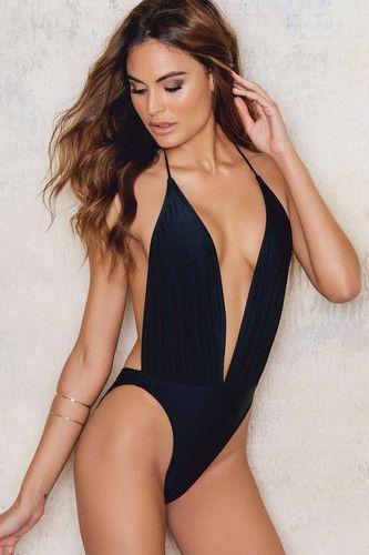 10 fatos de banho pretos para experimentar neste verão - Moda & Style