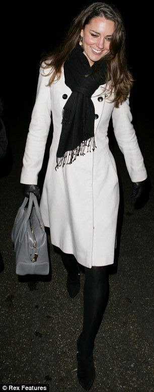 Kate Middleton gray Tod's d style bag medio