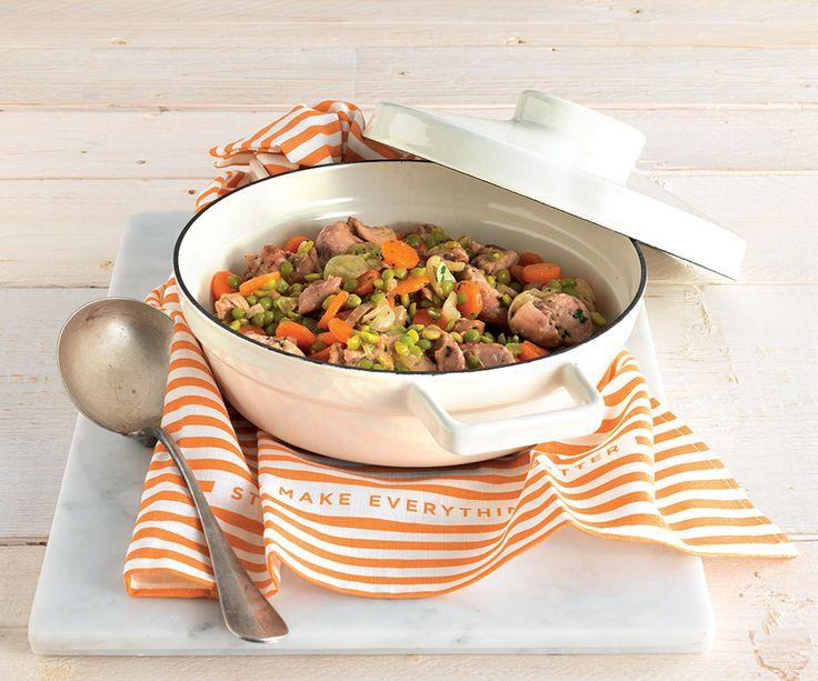 Bocconcini di pollo con carote e piselli secchi