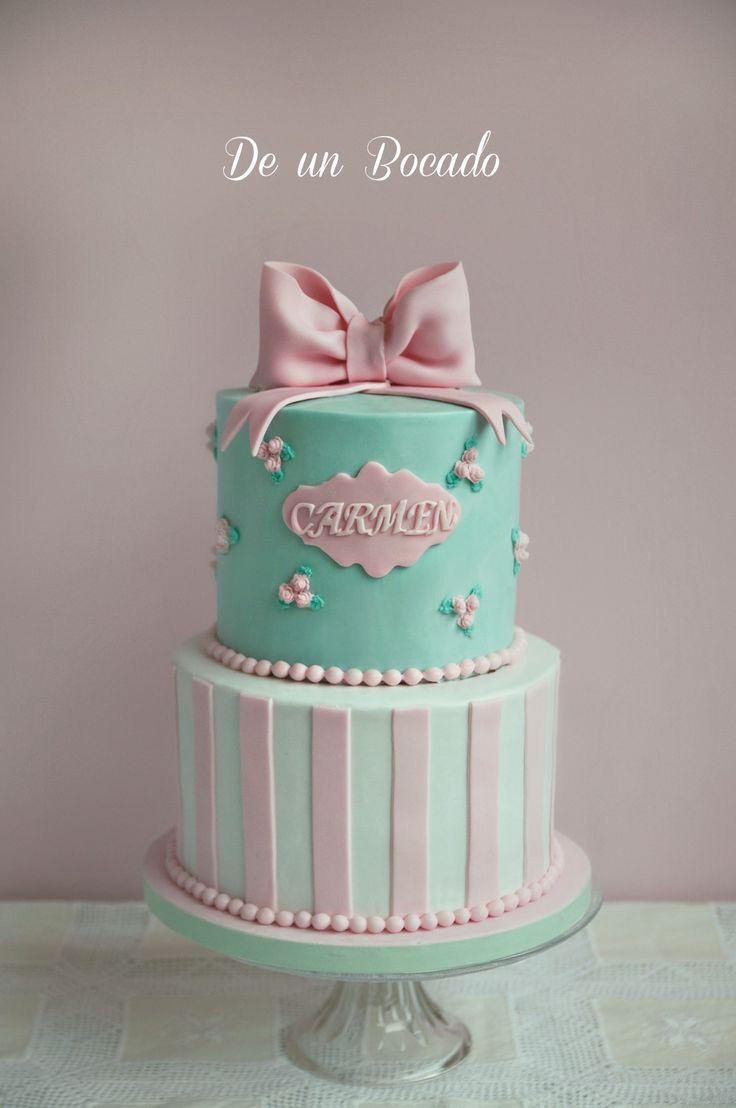 Pink mint lace cake  tarta con lazo vintage Verde menta y rosa