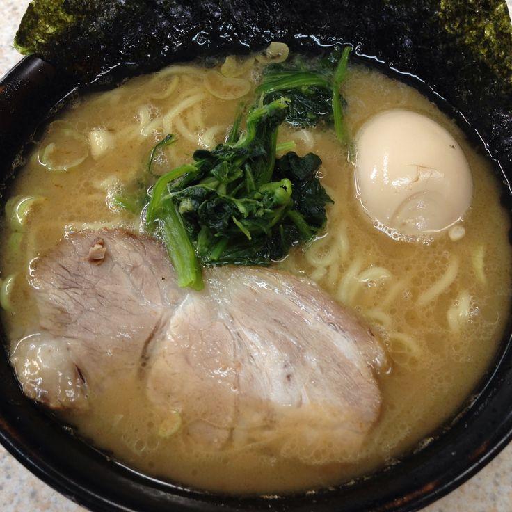 三代目家の横浜ラーメン醤油豚骨味
