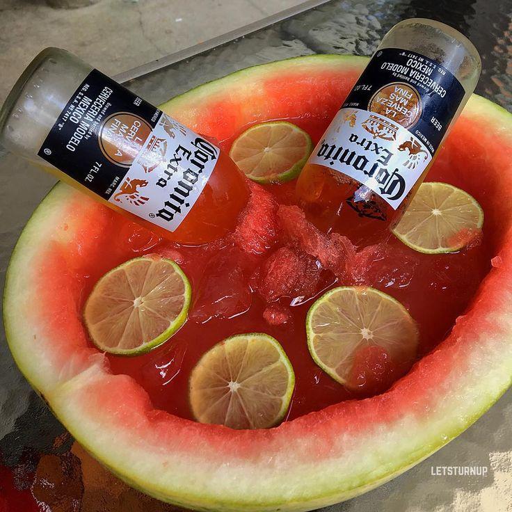 Mexican Watermelon Bowl! ▃▃▃▃▃▃▃▃▃▃▃▃▃▃▃▃▃ 3 oz. Tequila 3 oz. Watermelon Juice 2 oz. Sweet & Sour 1 oz. Club Soda 2 Mini Corona Bottles Lime Slices #tipsybartender #martini #tequila #patron #smirnoff #drinkporn #booze #bartender #bacardi #malibu #mixology #mixologist #margarita #letsturnup #liquor #turnup #cocktail #alcohol #vodka #ciroc #cocktails #whiskey #greygoose