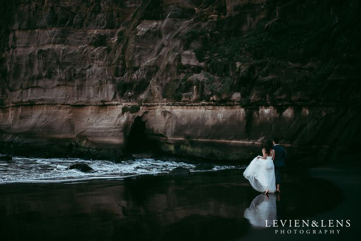 Pre-wedding engagement photo shoot - Muriwai Beach {Auckland wedding photographer}  Fiona and Silas   http://www.levienphotography.com/blog/2017/5/13/pre-wedding-engagement-photo-shoot-muriwai-beach-auckland-wedding-photographer