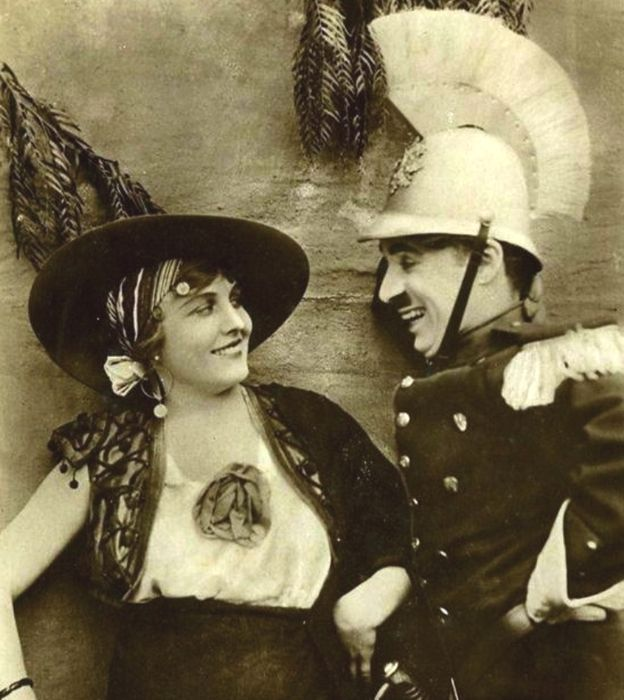 Charlie Chaplin and Edna Purviance in the film Burlesque on Carmen. 1915