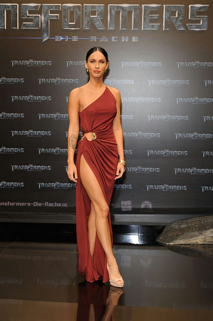 #RCMemories - The stunning Megan Fox in a #RobertoCavalli asymmetric gown to the Transformer premiere in Berlin 2009!