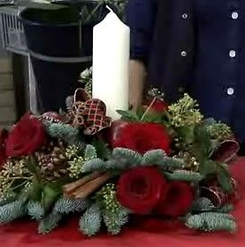 How to Make a Christmas Centrepiece: 9 Steps (with Pictures)