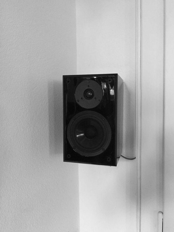 DIY Speaker wall mounts by studioberchtold.com