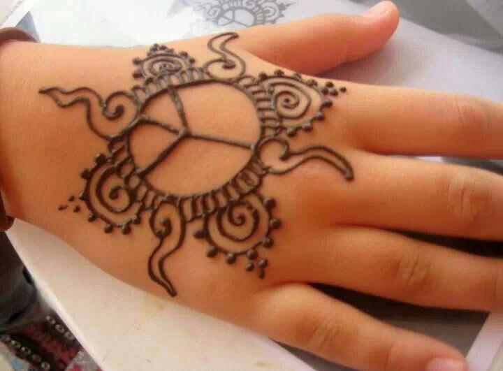 Simple henna design for kids. By hennaallure