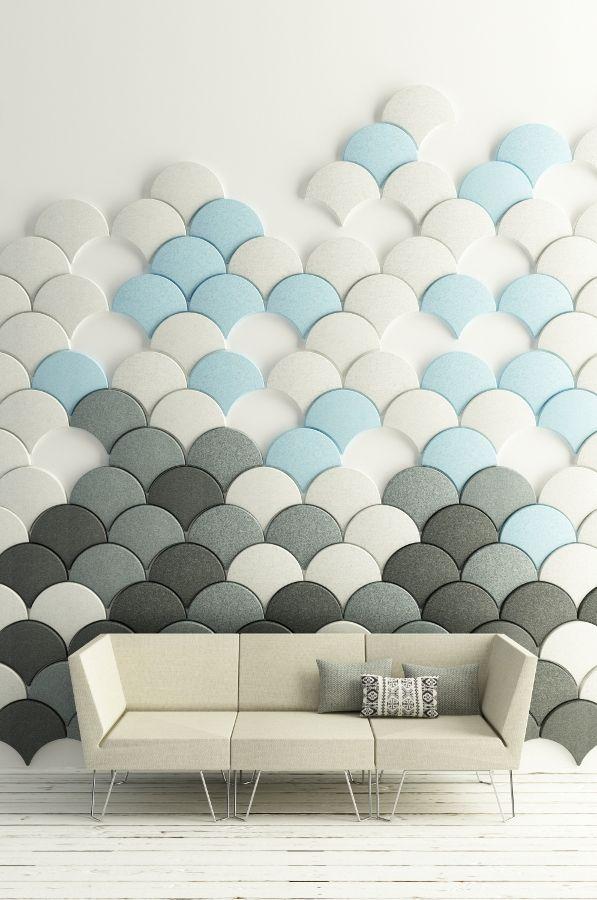 Décoration murale. Formes géométriques. Ecailles multicolores.