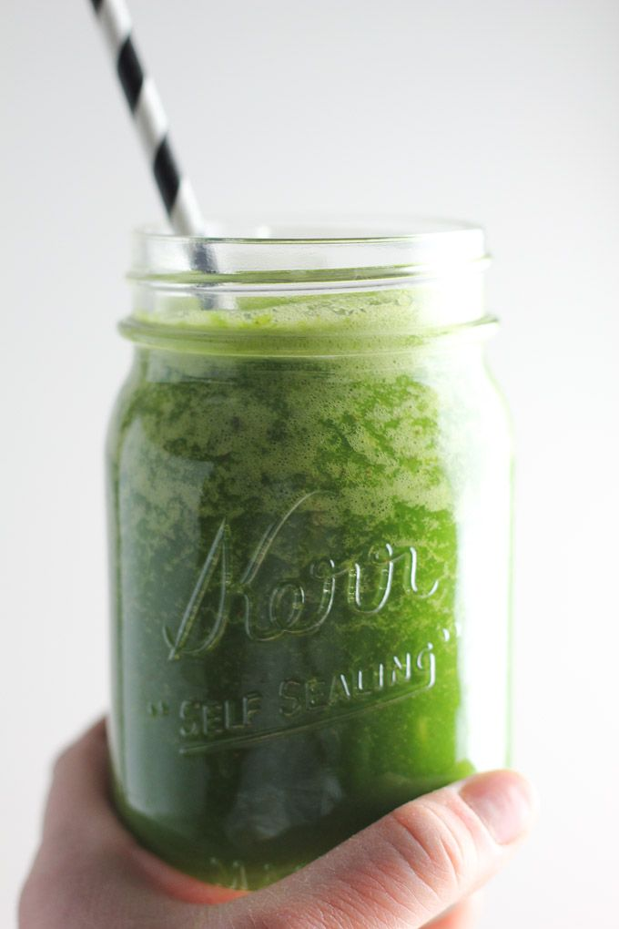 Back on Track Green Smoothie made in the Vitamix