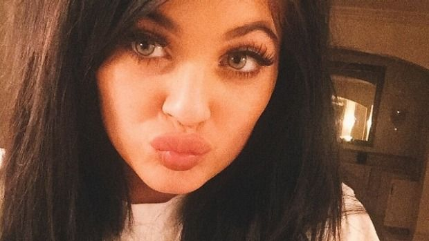 Kylie Jenner challenge has people suctioning their lips to increase pout Kylie Jenner Challenge  #KylieJennerChallenge