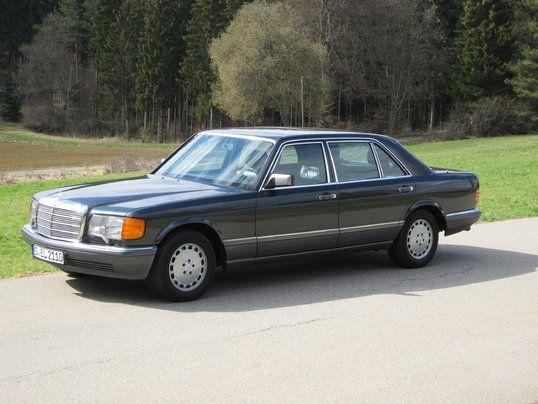 Mercedes-Benz 560 SEL (1985)