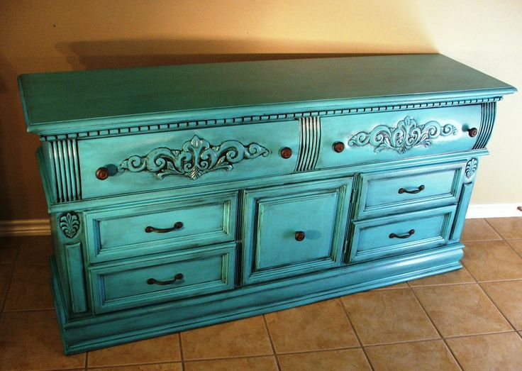Fallen In Love With This Color For Furniture! Going To Paint A Vintage  Duncan Phyfe. Distressed Turquoise ...