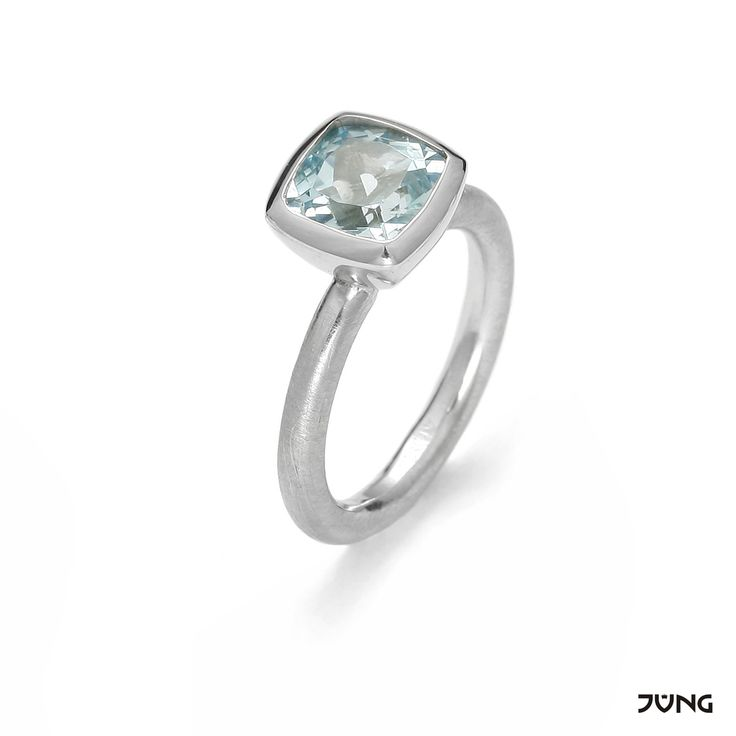 silver ring with Blue Sky topaz size 8x8 mm