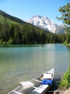 15 Things You Can't Miss on Your First Visit to Grand Teton National Park || Canoeing at String Lake