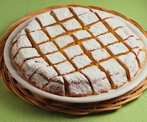 This is Cassola, a shockingly simple- and quick-to-make cake, which can be made into individual portions or one large cake. No gluten, no grain. Cassola is sweet, creamy, and delicate (and naturally low-fat! but you could never tell). This is an ancient Jewish Roman dessert, which the Roman Catholic community has adopted as the dessert of choice for Christmas dinner.