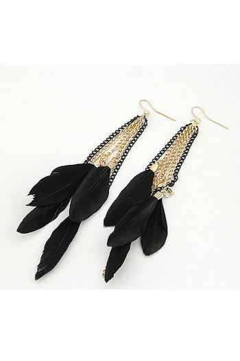 love feather earrings!: Feathers Earrings, Black Colors, Tassels Earrings, Gold Feathers, Colors Feathers, Earrings Ideas, Hoop Earrings, Feathers Fun, Earrings Necklaces