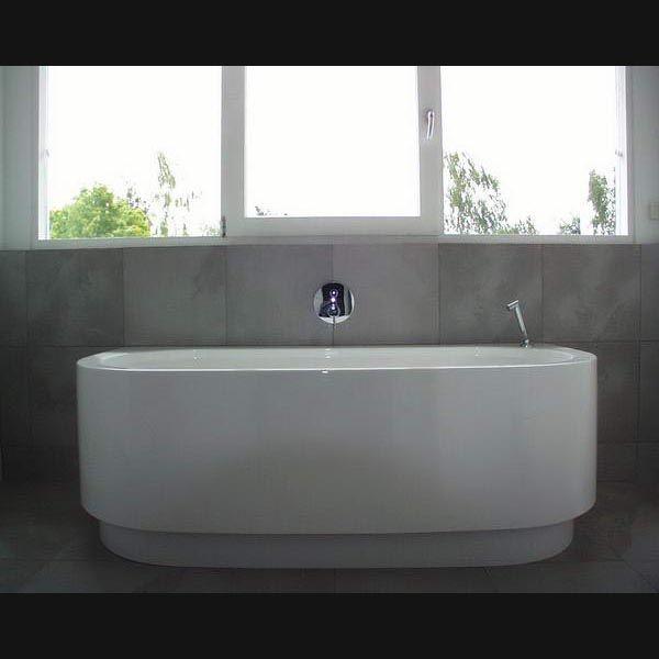 Moderne badkamer happy d halfvrijstaand bad met douche op badrand badkamer pinterest bad - Badkamer modellen met italiaanse douche ...