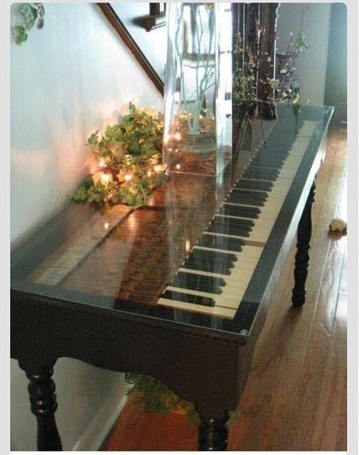 Фортепиано / Стол