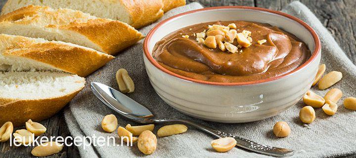 Satesaus zelf maken 2 eetlepels bruine basterdsuiker 2 eetl ketjap 150 ml melk 5 eetl pindakaas (biologisch)