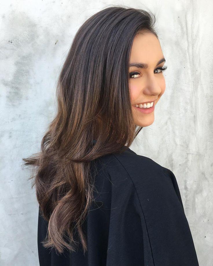 Nina Dobrev sports the PERFECT blowout thanks to the styling of celeb hair guru Riawna Capri.