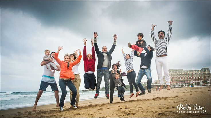 Family Photoshooting in Biarritz ! Seance photo en famille a la Grande plage de Biarritz !