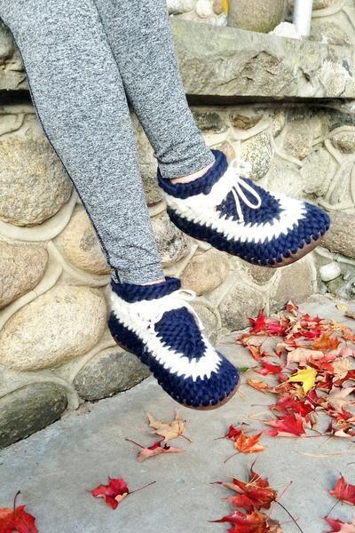 MuffleUp Slippers: Nautical Women