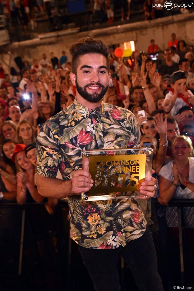 Exclusif - Kendji Girac reçoit le prix de La Chanson de l'Année 2015, dans les arènes de Nîmes à l'occasion de la spéciale Fête de la musique de l'émission La Chanson de l'année sur TF1, le samedi 20 juin 2015.