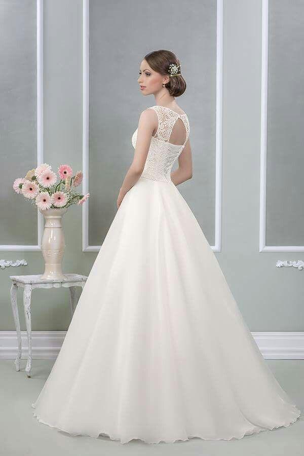 #weddingdress #bridetobe #weddingtime