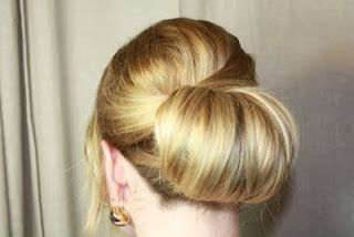 Great tutorial with step by step picutres for how to do a classic chignon