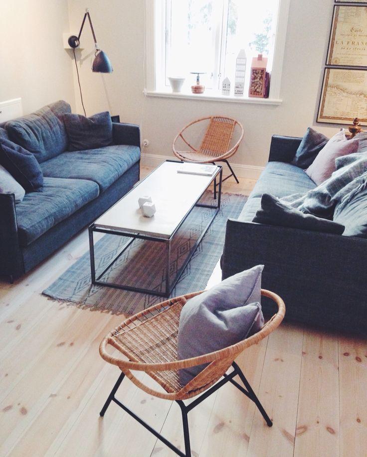 Vardagsrummet, korgstol från IKEA. Soffa Petito.