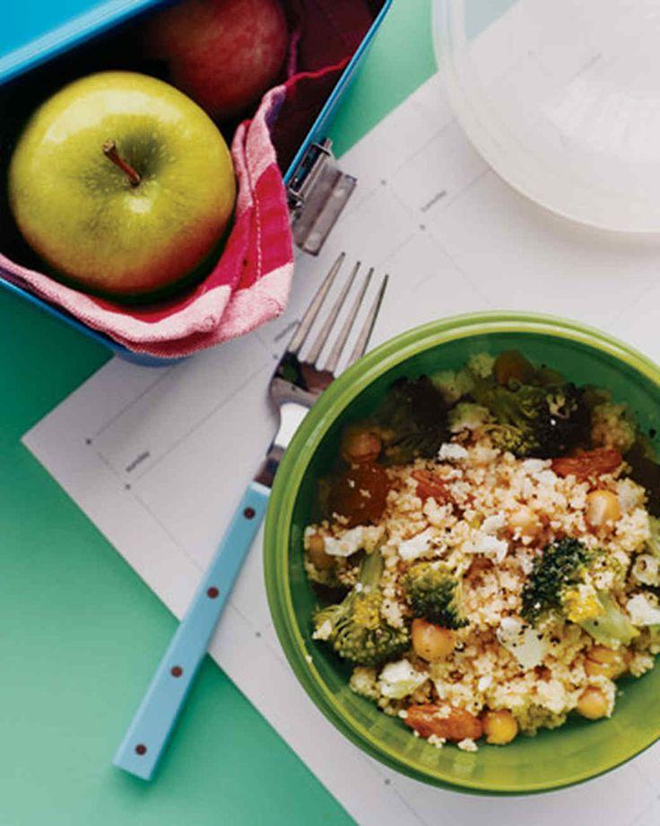 Couscoussalat mit Brokkoli und Rosinen