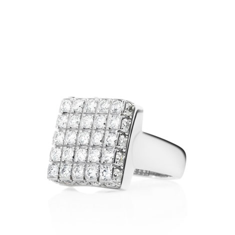 Jan Logan 18ct diamond Hudson ring