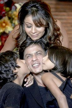 sharukh khan and his family.. beautiful family