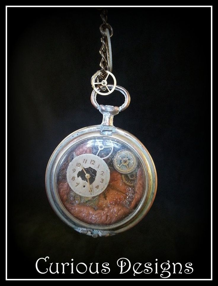 Lady Ophelia Raven Lovelaces pocket watch brooch, this is a story piece of jewellery. https://www.facebook.com/pages/Curious-Designs/353536071461624?sk=info http://ladyopheliaravenlovelace.blogspot.co.uk/ #steampunk #ladyopheliaravenlovelace #curiousdesigns #pocketwatch #cogs #jewellery #brooch