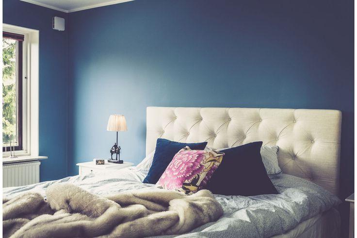 Vit djuphäftad sänggavel. Gavel, dubbelsäng, säng, sovrum, inredning. http://sweef.se/sangar/224-sanggavel-djuphaftad-vagghangd.html