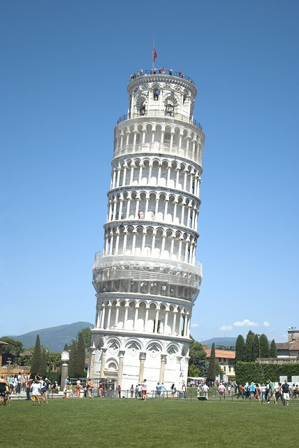 leaning tower of Pisa--pretty cool and worth checking out #travel #italy