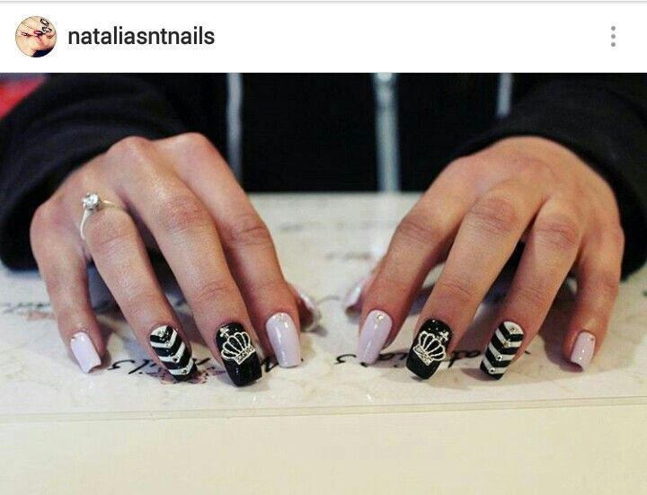 #purple #nails #black #crown