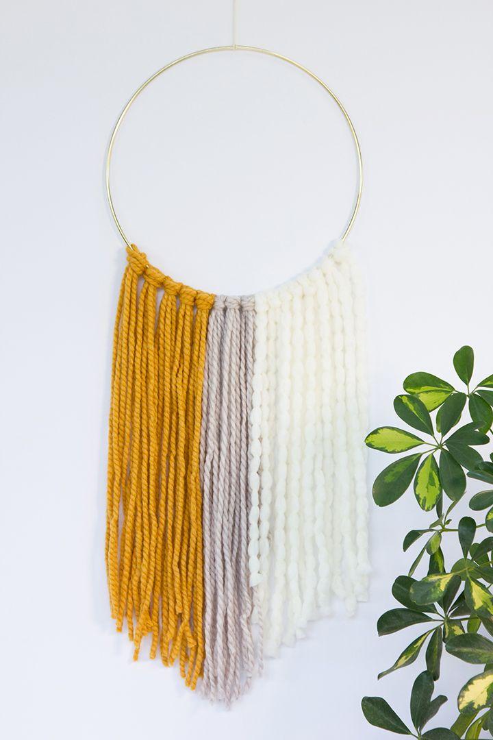 DIY Simple Yarn Wall Hanging | Alice & Lois