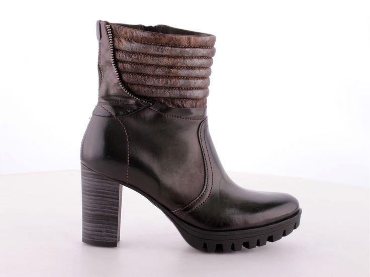 MJUS Shoes   Collection