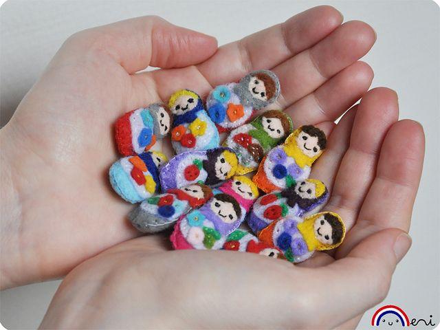 Mini felt dolls