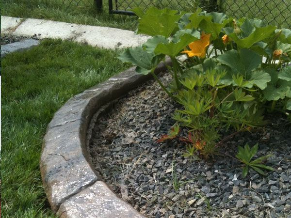 Best 25 Landscape edging stone ideas on Pinterest Landscape