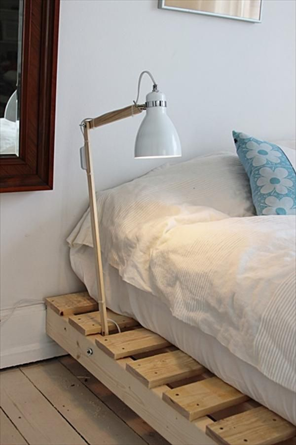 DIY Pallet Bed with Light Lamp   99 Pallets