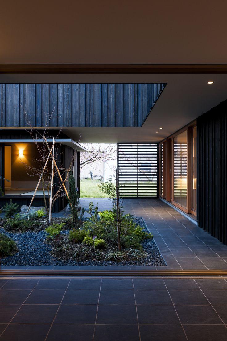 Courtyard House in Peach Garden / Takeru Shoji Architects