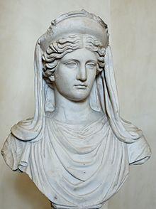 Demeter.  Godin van de landbouw. Zus van Zeus, Poseidon, Hades, Hera en Hestia