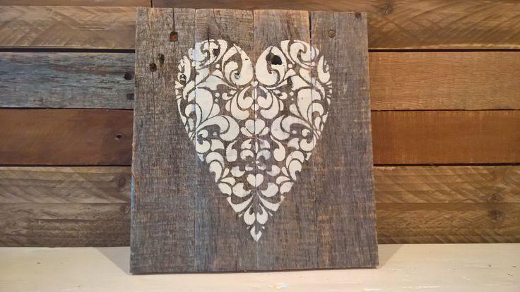 Pallet wood heart sign