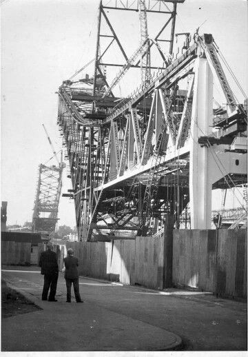 CONSTRUCTION OF THE WIDNES BRIDGE