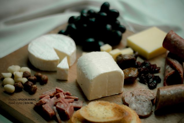 Cheese plate ideas // food stylist // Erin M.