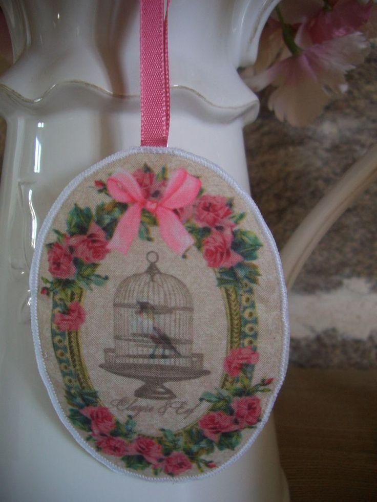 coussin tissu parfumé médaillon à suspendre shabby chic rose & cage oiseau 9.5cm